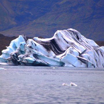 לגונת הקרחונים באיסלנד – כיצד זה קורה?